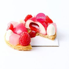 "2,054 mentions J'aime, 24 commentaires - Adriano Zumbo (@zumbopatisserie) sur Instagram : ""The money shot 'Raspberry of my eye', our limited-edition VDay tart is now in stores Musk…"" Zumbo's Just Desserts, Kinds Of Desserts, Delicious Desserts, Yummy Food, Zumbo Recipes, Zumbo Desserts, Pastry And Bakery, Baking And Pastry, Adriano Zumbo Cakes"