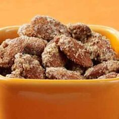 This recipe for sweet and delicious Cinnamon-Glazed Almonds make for a healthy snack you can take anywhere. Easy Snacks, Yummy Snacks, Healthy Snacks, Yummy Food, Smart Snacks, Healthy Eating, Almond Glaze Recipe, Almond Recipes, Healthy Dessert Recipes
