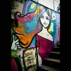 Graff que rolou hoje na tochetto no qual meu mano @brancohenry pintou também. TEY.  #graffiti #artederua #arteurbana #streetart #art #desenho #grafite #girl #colorful #henrybranco #bieel #iugue #tagvillecrew