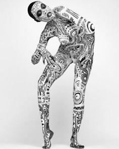African Art - Body Art by Laolu Senbanjo Art Japonais, Foto Art, Human Art, My Black Is Beautiful, Sacred Art, Lens Flare, Black And White Photography, Body Art Tattoos, Art Paintings