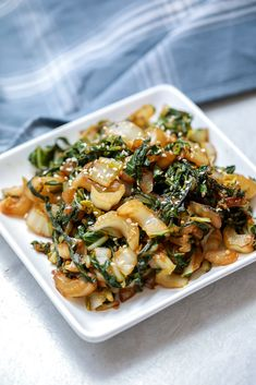 Quickly sauteed and then glazed in a rich, garlicky, maple soy sauce, Bok Choy makes a flavor packed side dish that is ready in just 10 minutes! Roasted Bok Choy, Oven Roasted Asparagus, Easy Bok Choy Recipes, Asian Recipes, Ethnic Recipes, Easy Vegetable Side Dishes, Vegetable Sides, Lectin Free Diet, Carrots And Green Beans
