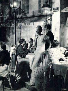 mimbeau:  Montmartre - Place du TertreParis 1932George Hoyninguen-Huene                                                                                                                                                      More