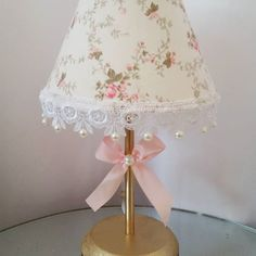 Shabby Chic Furniture In a family room, try to arrange your furniture into centers. Shabby Chic Lighting, Shabby Chic Lamps, Shabby Chic Style, Shabby Chic Furniture, Baby Room Decor, Bedroom Decor, Lamp Makeover, I Love Lamp, Lamp Shades