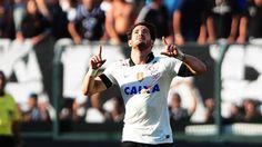 Alexandre Pato faz dois gols e Corinthians goleia o Flamengo no Pacaembu