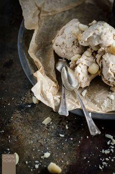 No-Churn Roasted Macadamia Ice Cream | Chew Town Food Blog