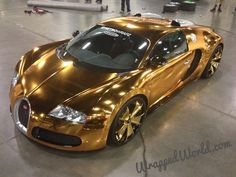 Car Information Bugatti Veyron shiny gold plating of rapper American rapper Flo Rida continues to change new clothes for his Bug. Luxury Sports Cars, Sport Cars, Bugatti Veyron, Bugatti Cars, Rolls Royce, Maserati, Ferrari 458, Supercars, Volkswagen