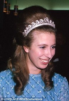 The Cartier Halo Tiara. - Princess Anne was the next royal lady to wear the tiara. This tiara seems to have been her 'go to' tiara in her early years, before she got into wearing the Greek Key Pattern Tiara more often. Royal Crowns, Royal Tiaras, Tiaras And Crowns, Royal Princess, Prince And Princess, Halo, Indian Jewellery Online, Elisabeth Ii, Princesses