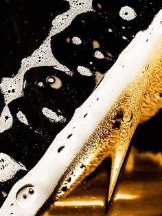 Carling Cider Condensation Closeups #Carling #Condensation #Liquid #Alcohol #Beverage #Lacing