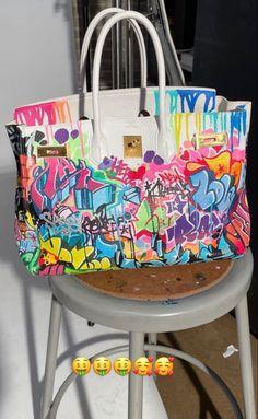 Pinterest @sarstephenn Cute Purses, Purses And Bags, Bad And Bougie, Baddie Outfits Casual, Cute Bags, Luxury Bags, Birkin, Body Bag, Diaper Bag