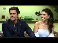 Caglar Ertugrul and Deniz Baysal during an interview on the Beyaz Show, April Vogue Men, Best Couple, Tv Series, I Am Awesome, Bollywood, Interview, Actors, Twitter, Couples