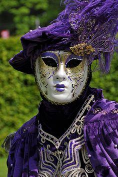 pour retrouver le tableau VENICE CARNAVAL de AKS VAZHE  Maske