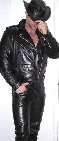 Mens Leather Pants, Tight Leather Pants, Biker Leather, Leather Boots, Black Leather, Hot Country Boys, Gay, Men In Uniform, Leather Fashion