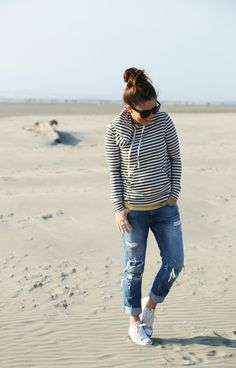 gray and yellow casual beach look