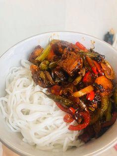Quick & Healthy Vegan Sticky Tofu Noodle Bowl - VegeVega