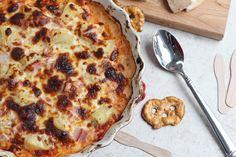 Hot and cheesy pizza dip with a Hawaiian twist - Canadian bacon, pineapple and homemade marinara sauce!