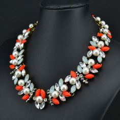 6.86€ - Crystal Leaves Statement Necklace Women Choker Pearl Design Vintage - Best Lady Jewelry Store