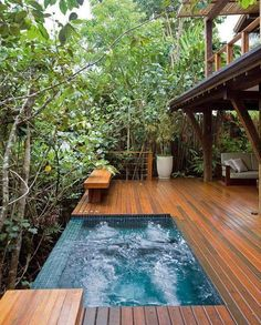 Combining a swimming pool with a deck is a great way to improve your outdoor living space. These swimming pool decks ideas will help you to get one! Small Backyard Pools, Small Pools, Infinity Pool Backyard, Backyard Beach, Beach Pool, Future House, Spa Jacuzzi, Kleiner Pool Design, Outdoor Bathtub