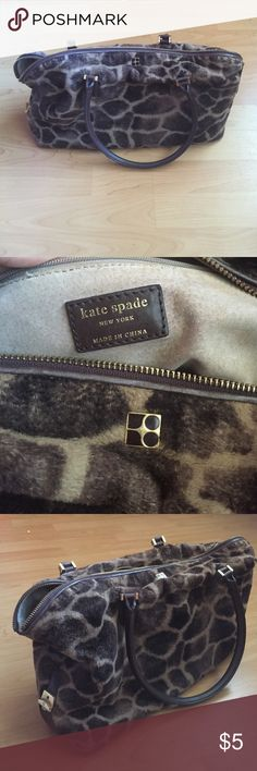 Authentic Kate Spade Purse Very beautiful giraffe print purse. Good Used condition. kate spade Bags Shoulder Bags