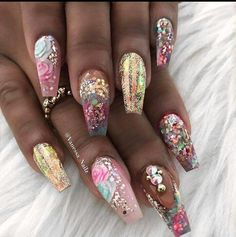 Gold flower whimsical nails