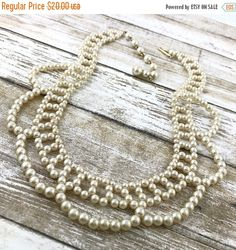 50% OFF Stunning 50s Vintage Faux Pearl Lace Bib Choker Necklace. Wedding lace pearl necklace. Ivory bride necklace. Vintage pearls. Plastic by TheOldJunkTrunk
