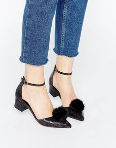 And the cutest shoe award goes to these pointed pom pom beauties!