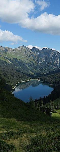 Genusswanderung: Col du Pillon – Lac Retaud – Col du Voré – Arnensee – Feutersoey, etwa 4 h. Foto: Jochen Ihle, Wandermagazin SCHWEIZ