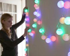 Las guirnaldas de luces están muy de moda para decorar cualquier rincón de la casa. Te mostramos cómo podemos hacerlas nosotros mismos para casa.