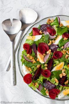 Maistuis varmaan sullekin!: Punajuuri-kylmäsavuhärkäsalaatti  http://maistuisvarmaansullekin.blogspot.fi/2014/11/punajuuri-kylmasavuharkasalaatti.html