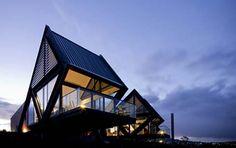 The Best Luxury Hotels in Tasmania Historical Architecture, Modern Architecture, Famous Modern Art, World Of Wanderlust, Outdoor Baths, Farm Stay, Best Hotel Deals, Futuristic Design, Waterfront Homes
