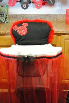adorable baby Mickey Mouse party highchair idea