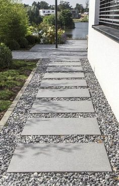 Front Yard Entrance Path & Walkway Landscaping Ideas (28) #LandscapingIdeas