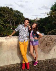 Rugge y Karol New Disney Channel Shows, Disney Shows, Spanish Tv Shows, How To Speak Spanish, Ambre Smith, Sou Luna Disney, Cimorelli, Son Luna, Sabrina Carpenter