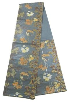 This is a Fukuro obi with enchanting Seasonal flowers pattern, which is woven