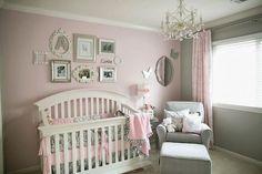 quarto-de-bebê-menina-rosa-cinza