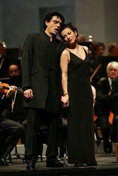 dessay villazon Director honorario de la osg víctor pablo pérez, nacido en burgos, realizó sus estudios en el real conservatorio de música de madrid y en la hochschule für.