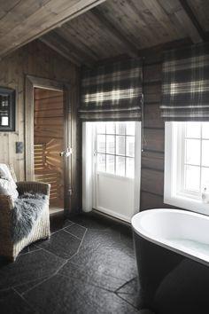 Cabin Bathrooms, Laundry In Bathroom, Cozy Cabin, Cozy House, Winter Cabin, Cabin Homes, Log Homes, Powder Room Decor, Scandi Home
