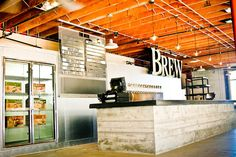 Karl Strauss Brewing Debuts New Tasting Room at Main Brewery Brewery Design, Pub Design, Starting A Brewery, Brewery Interior, Brewery Wedding, Beer Brewery, Brew Pub, Tap Room, Tasting Room