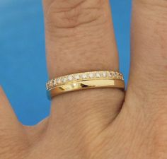 """Diamantring aus Gelbgold mit 15 Brillanten und """"Doppelt""""-Effekt #Ring #Ehering #Diamanten #Schmuck #Gold"""