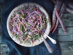 Vinter-coleslaw North American Food, Cole Slaw, Japchae, Cabbage, Vegetables, Ethnic Recipes, Bra, Coleslaw, Coleslaw Salad