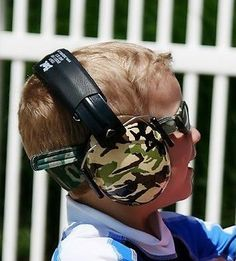 Keep your child's ears protected from potentially harmful noise with these lightweight, soft and super stylish Geo ear defenders. Suitable for children 2-10 years old and available in a range of cool designs and colours, they are the perfect for fireworks displays, parties, festivals, concerts, sporting events and much more.