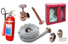 SISTEMA DE HIDRANTES  Os sistemas de hidrantes compõem-se basicamente de redes de distribuição, providas de pontos de hidrantes (simples ou duplos) compreendendo:  Abrigo metálico. Mangueiras de incêndio. Válvula globo angular. Adaptadores, chaves e tampões Storz. Esguichos sólidos ou reguláveis.