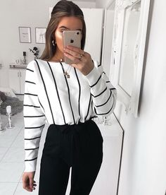 fashion, outfit, and style image 90s Fashion, Fashion Outfits, Womens Fashion, Fashion Online, Girl Fashion, Fashion Belts, Fashion Pics, Celebrities Fashion, Fashion Today