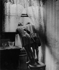 girls in shared attic, shoreditch, 1939 [ORIGINAL] © bill brandt, from bill brandt: shadow and light