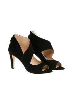 Hüllen Sie Ihre Füße in diese chicen Sandaletten mit italienischem Design aus dem Hause VERSACE 1969. Sie sind das Highlight zu all Ihren Looks! - schwarz von VERSACE 1969 bei OUTLETCITY.COM bestellen.