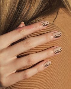 See the best fall nail ideas for 2020, including fall nail art designs and fall nail polish colors from the runways and Instagram. #nailideas #manicures Taupe Nails, Brown Nails, Brown Nail Art, Black Nails, Neutral Gel Nails, Beige Nail Art, Funky Nail Art, Bright Nails, Funky Nails