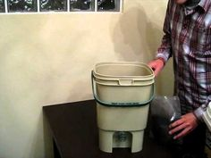 How to Use A Bokashi Composting Bucket Bonsai Garden, Garden Plants, Container Gardening, Gardening Tips, Bokashi, Recyle, Organic Living, Composting, Farming
