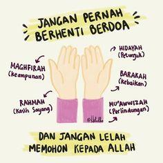 . Jangan mencintai orang yang tidak mencintai Allah. Kalau dia berani meninggalkan Allah apalagi meninggalkan kamu. . (Imam Syafii) . . . . . . from igasy_rfa02 . Tag sahabat tersayangmu . follow IG @souvenirpengajian #souvenirtasbih . Like & share jika bermanfaat. . . #renungan #muhasabah #hijrah #yukhijrah #muslimahhijrah #pemudahijrah #temanhijrah #motivasi #Dakwah #hijrahsantun #hijrahislam #beraniberhijrah #islam #sunnahnabi #ustadzadihidayat #ustadzhananattaki #souvenirpengajian #jualsouve Pray Quotes, Quran Quotes Love, Quran Quotes Inspirational, Islamic Love Quotes, Muslim Quotes, Words Quotes, Salam Jumaat Quotes, Reminder Quotes, Self Reminder