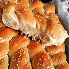 Αρτουλάκια αφράτα βαμβάκι μοσχοβολιστά !!!! ~ ΜΑΓΕΙΡΙΚΗ ΚΑΙ ΣΥΝΤΑΓΕΣ 2 Hot Dog Buns, Hot Dogs, Bread, Food, Brot, Essen, Baking, Meals, Breads