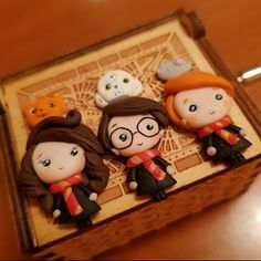 Cute Polymer Clay, Cute Clay, Polymer Clay Dolls, Polymer Clay Crafts, Fimo Kawaii, Kawaii Diy, Harry Potter Birthday Cake, Potters Clay, Anniversaire Harry Potter