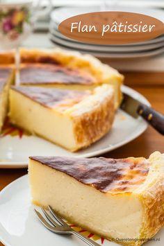 Met dit recept geniet je voortaan ook thuis v - Köstliche Desserts, Delicious Desserts, Yummy Food, Healthy Food, Baking Recipes, Cake Recipes, Dessert Recipes, Flan Cake, Bread Cake